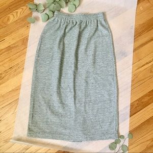 LP Simple Gray Knit Mid Length Pencil Skirt